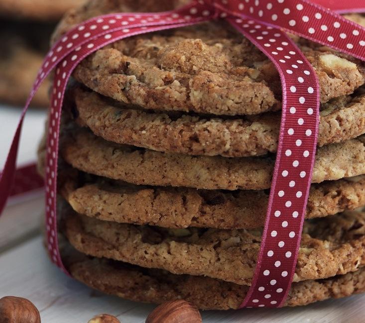 JULEKAKER Cookies med kanel og hasselnøtt