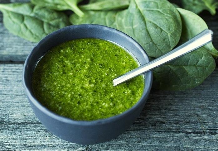 5 typer hjemmelaget grønn pesto - spinat- og valnøttpesto