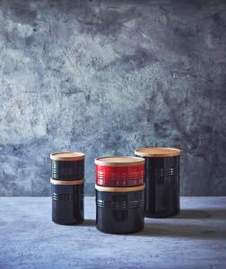 Scandinavia-oppbevaringskrukker-med-lokk-i-eik-fra-Le-Creuset