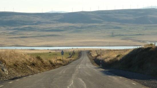 Tras coronar La Lancha, el valle del Voltoya.