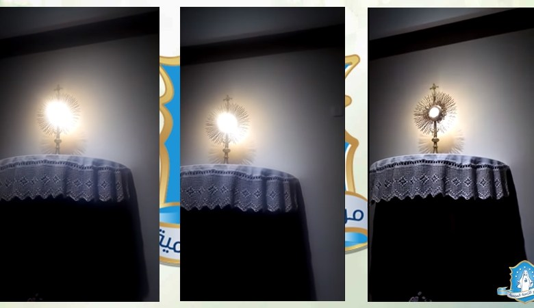 Photo of معجزة القربان الأقدس في الأرجنتين – القربان ينبض وتنبثق منه أشعة نور ساطعة