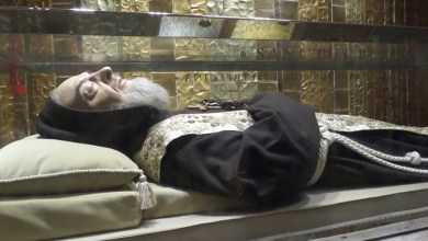 Photo of ما هي العلامات العجائبية التي ترافق أجساد القديسين بعد موتهم
