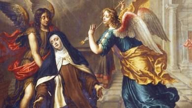 Photo of القديسة تريزيا الأفيلية تروي كيف طعن ملاك قلبها حين نالت آخر سمات المسيح – جرح القلب