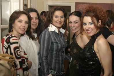 Maria Olon with friends 5