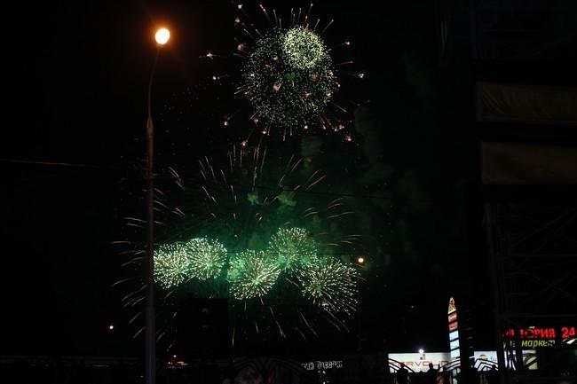 Праздничный салют в сквере Люблино, в честь 70-ти летия Победы!