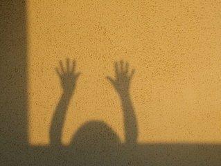 тени на стене