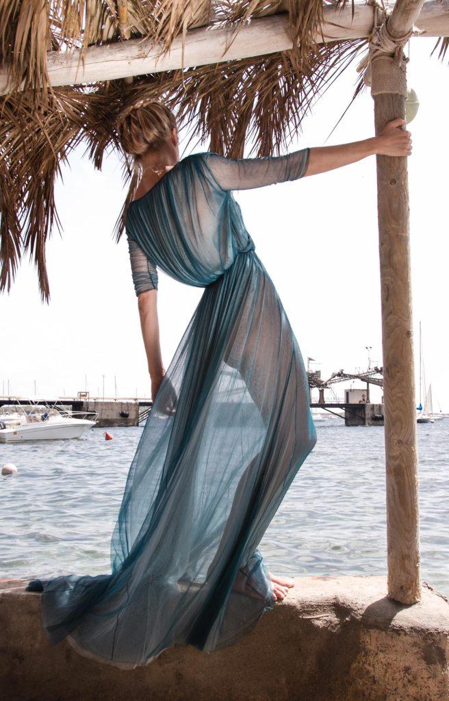 Fotografía creativa by Maria Santos para Cortana: moda diseñada en Barcelona con el espíritu de alta costura.