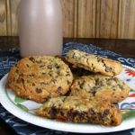 SOFT BAKED PEANUT BUTTER COOKIES WITH MINI CHOCOLATE CHIPS