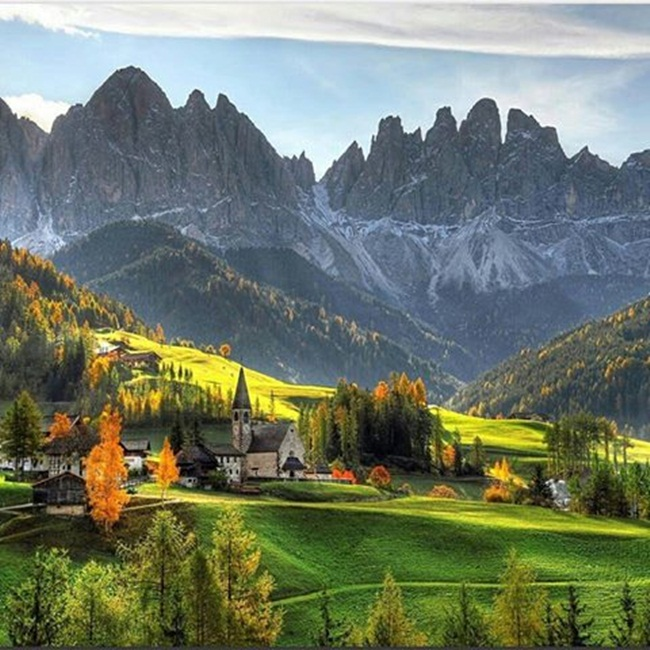 el-valle-de-funes-dolomitas-italia