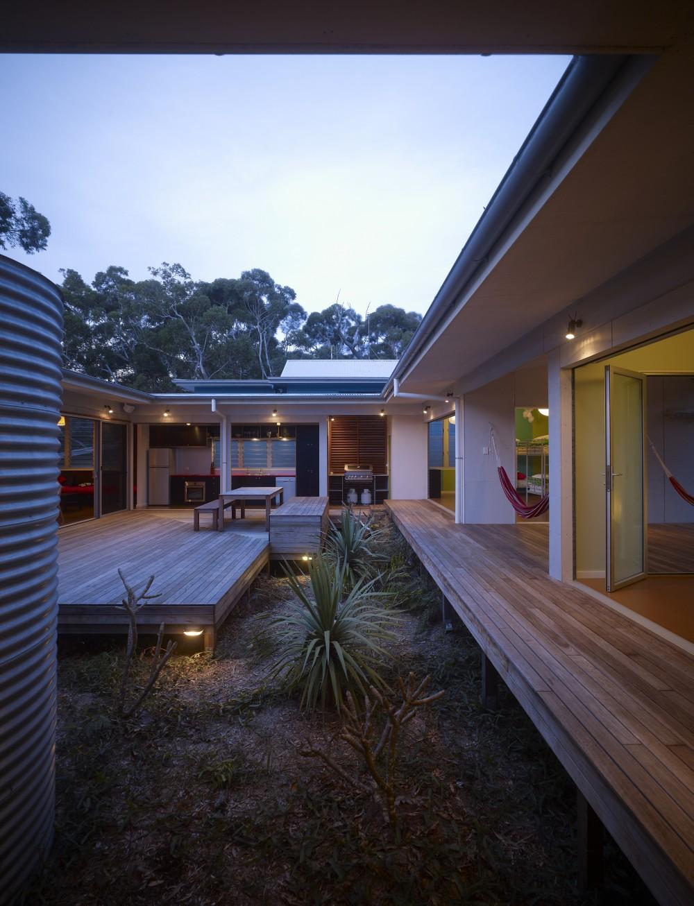 Design Inspiration: The Modern Courtyard House - Studio MM ... on Backyard:uuezyx-Hy-8= Landscape Design  id=77788