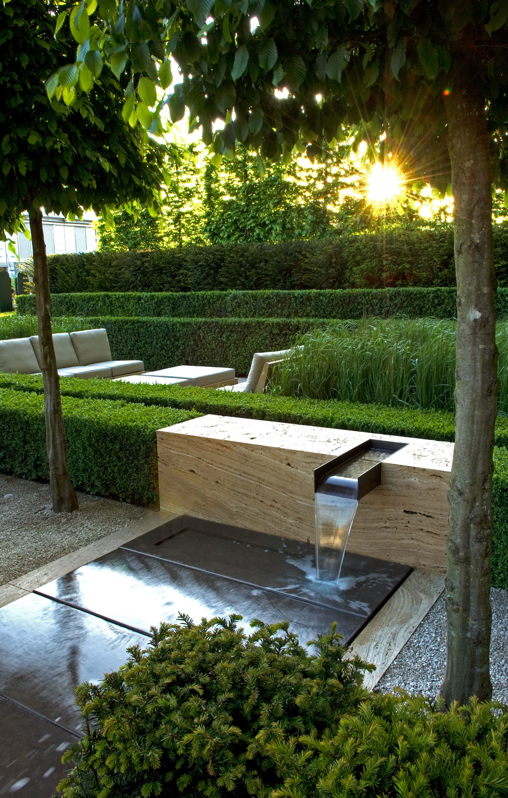 Contemporary Landscapes, Modern Gardens: Inspiration for ... on No Lawn Garden Ideas  id=92398