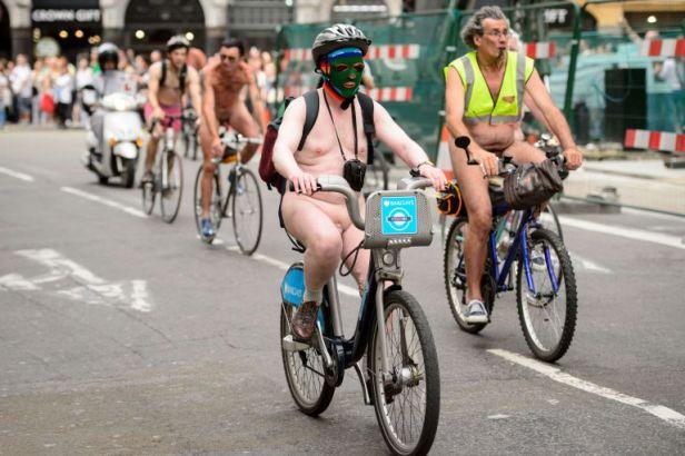 ad137781301cyclists-take-pa