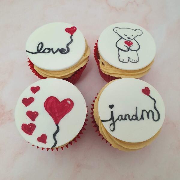 Hand Painted Cake Trend 2021 Unique Design Valentines Cupcakes