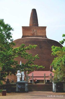 Jour5-stupa-pierre