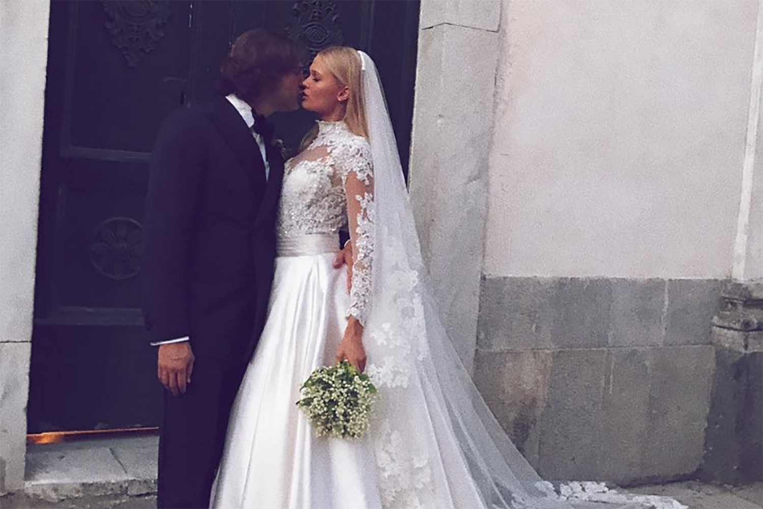 Victoria's Secret Model Marries On The Amalfi Coast In