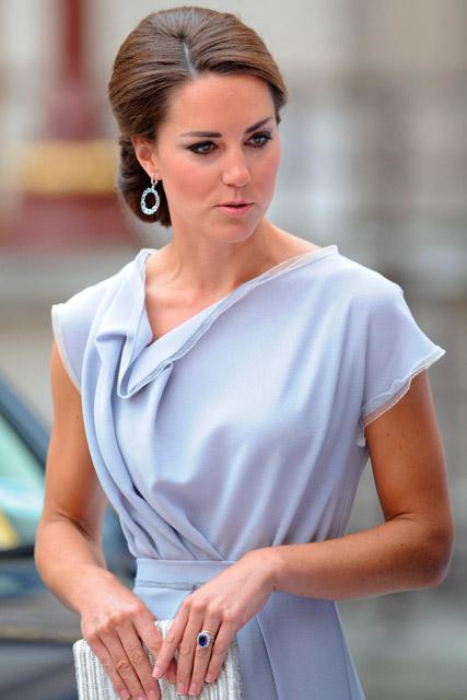 Kate Middleton dazzles in Roksanda Ilincic dress