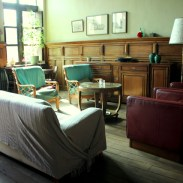 97. In een hostel slapen