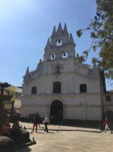 Iglesia de la Veracruz, Plaza Botero