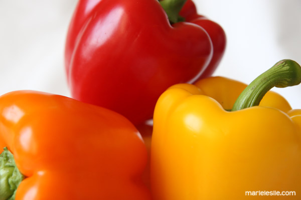 food photography bell peppers, orange, red, yellow