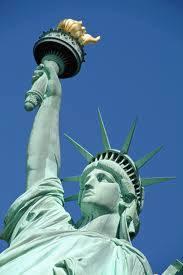 Estatua de la Libertad en Nado