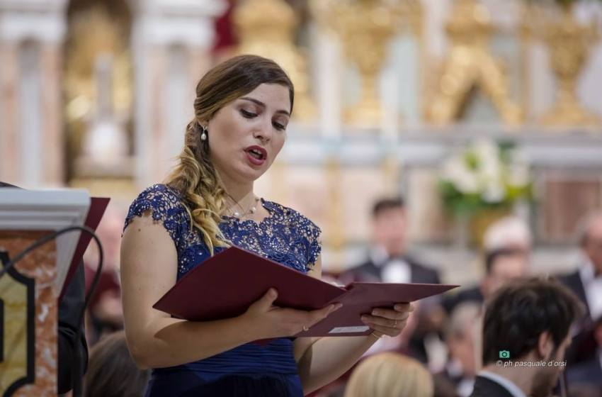 """""""La mia gioventù tra lirica, poesia e romanzi"""". Chiara Polese presenta Farfalle Bianche, il libro già finalista al premio Bukowski."""