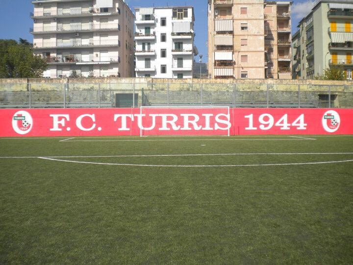 Lo stadio gestito dalla Turris: il Consiglio comunale si riunisce per votare la convenzione