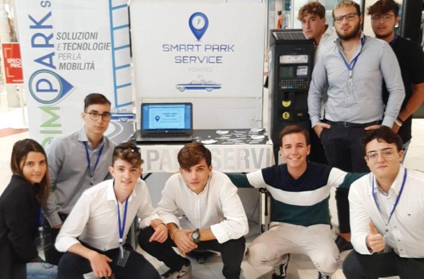 Inventano App per trovare parcheggio: alunni del Pantaleo vincono Student Lab regionale