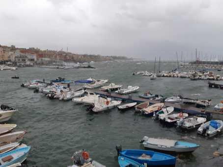 allerta-meteo-vento-mareggiate-torre-del-greco-mariella-romano-cronaca-e-dintorni