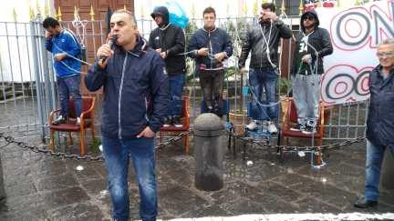 marittimi-protesta-fallimento-onorato-torre-del-greco-mariella-romano-cronaca-e-dintorni