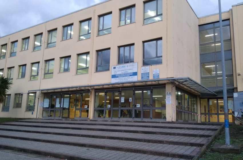 Open Day al liceo scientifico Nobel: premio ai migliori studenti