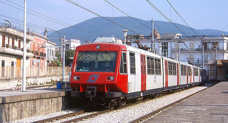 Coronavirus, tutti i treni Eav sottoposti a disinfestazione