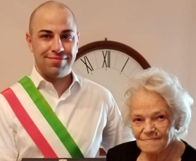 Aveva compiuto cento anni durante la pandemia: oggi la festa per nonna Michela