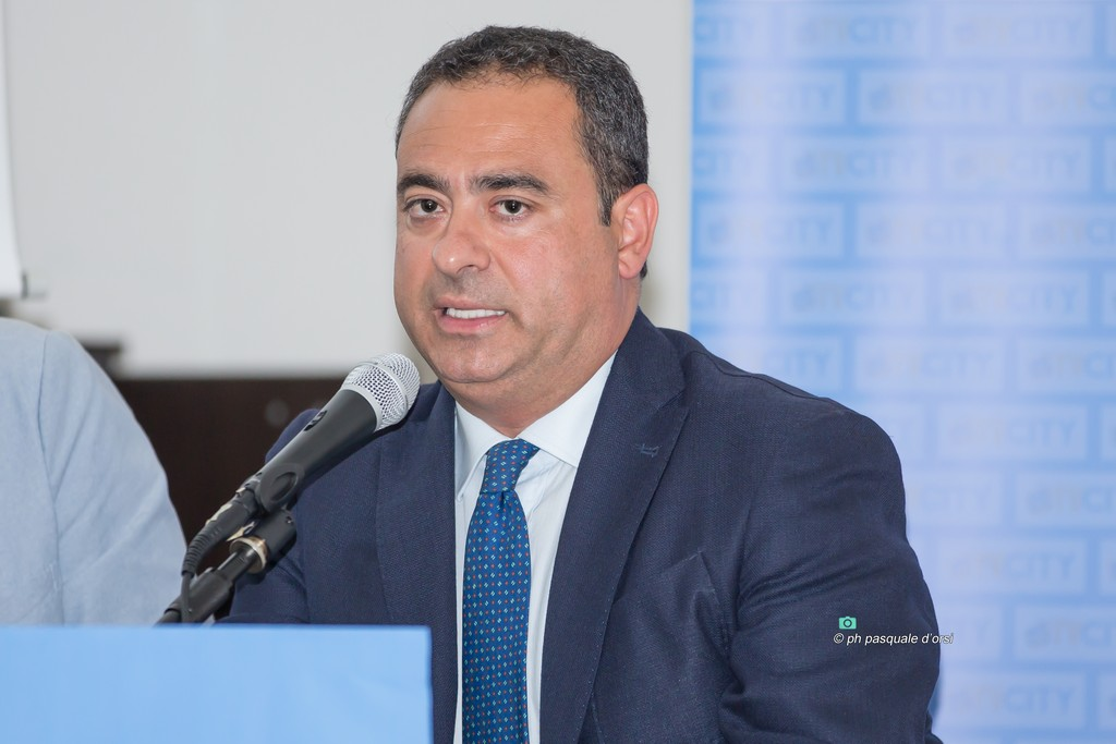 """Luigi Mele, consigliere della Lega, attacca il sindaco Palomba: """"Pensi a ripulire la città"""""""