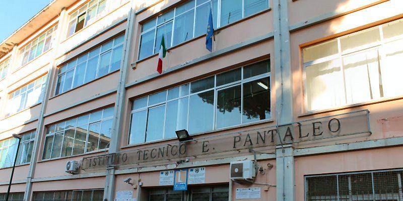 Sanificazione straordinaria, chiuso per un giorno l'istituto Pantaleo: è prevenzione