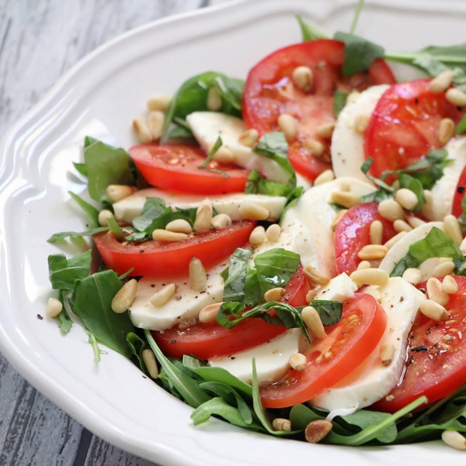 caprese-salade-met-tomaat-en-mozzarella