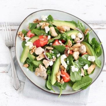 Salade met aardbeien en avocado