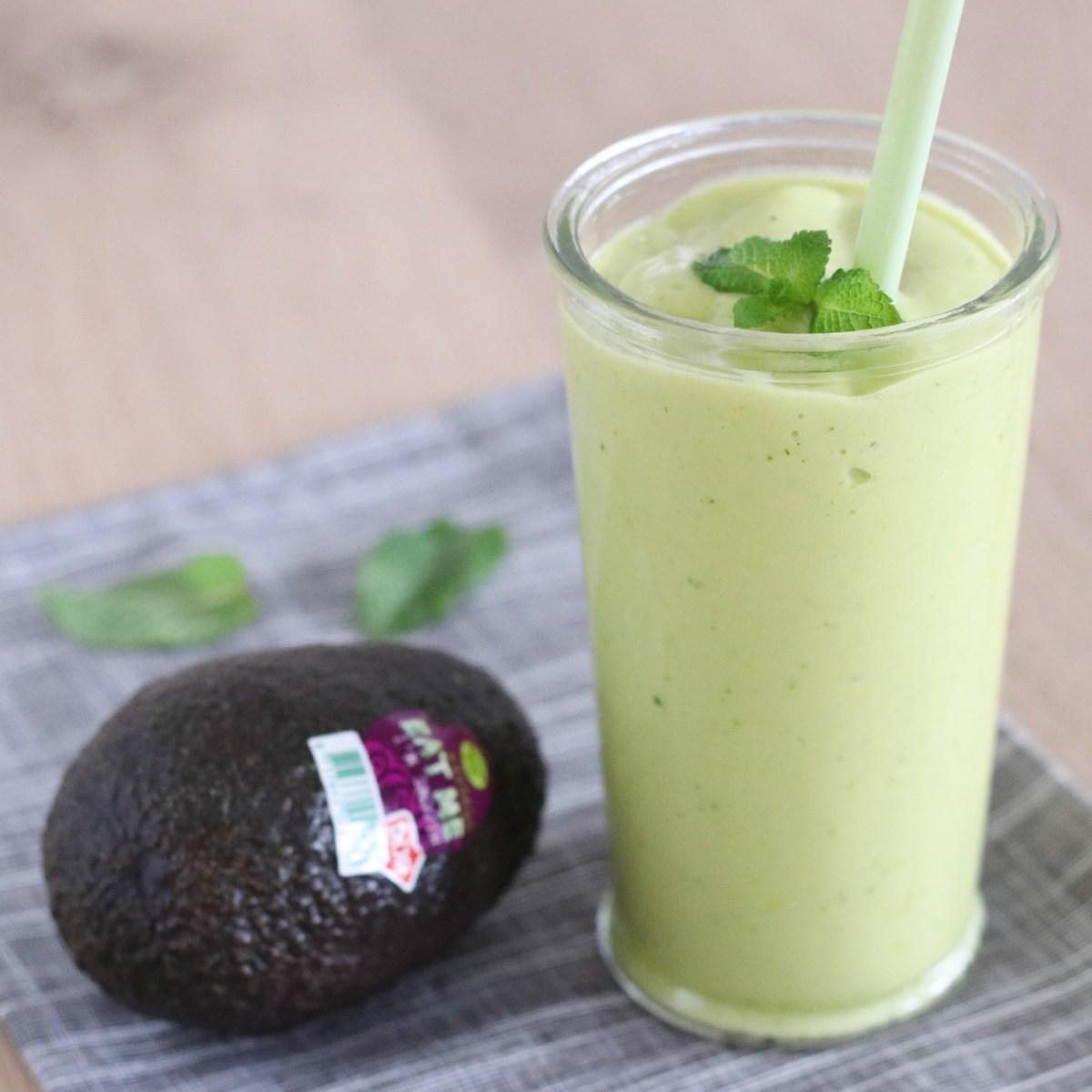 Smoothie met avocado en munt