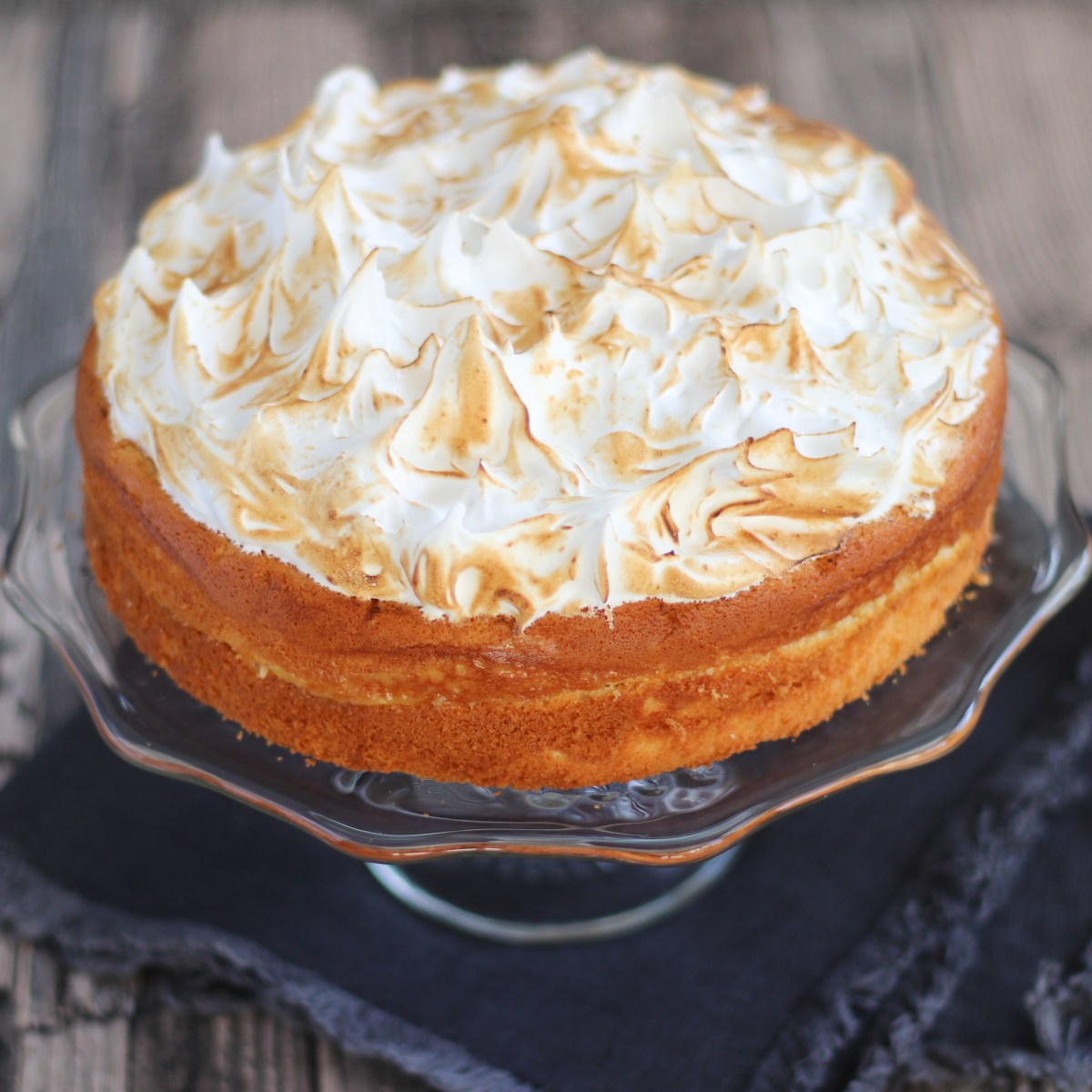 Luchtige lemon meringue cake