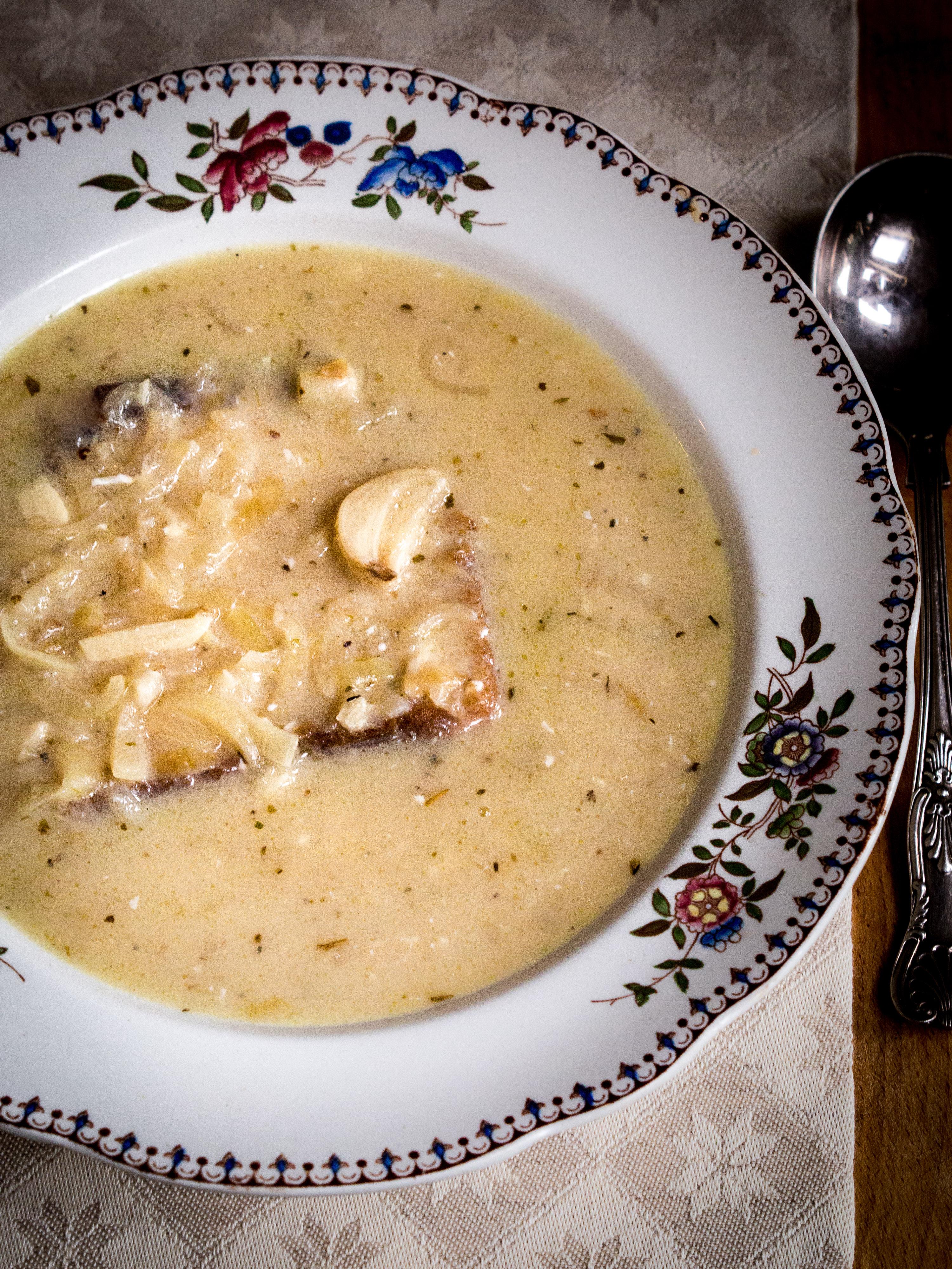 White Garlic Soup (Tourin blanchi à l'ail)