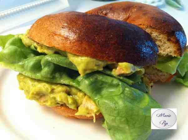 Bagel façon salade au poulet et guacamole crémeux - la recette