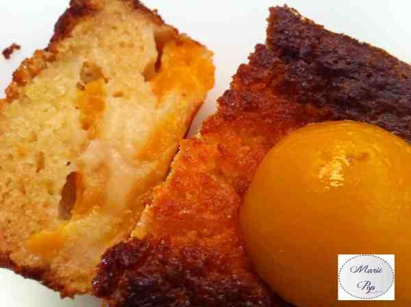 Cake clafoutis aux abricots au sirop