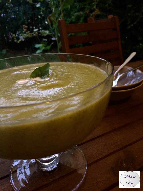 Soupe froide de courgettes au basilic - la recette