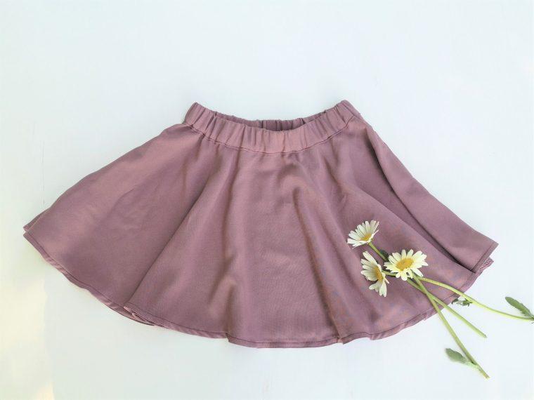 Rundskåret nederdel