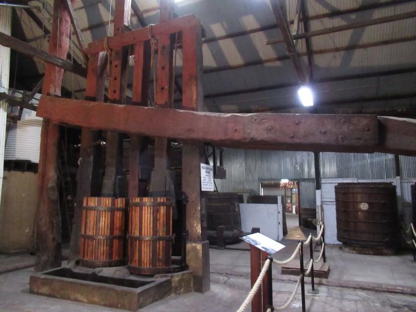 Alte Weinpresse aus Red Gum Wood