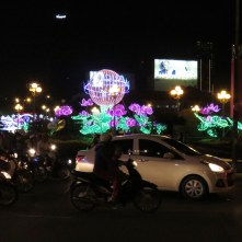 The roundabout in front of the market (near our hotel) is absolute mayhem