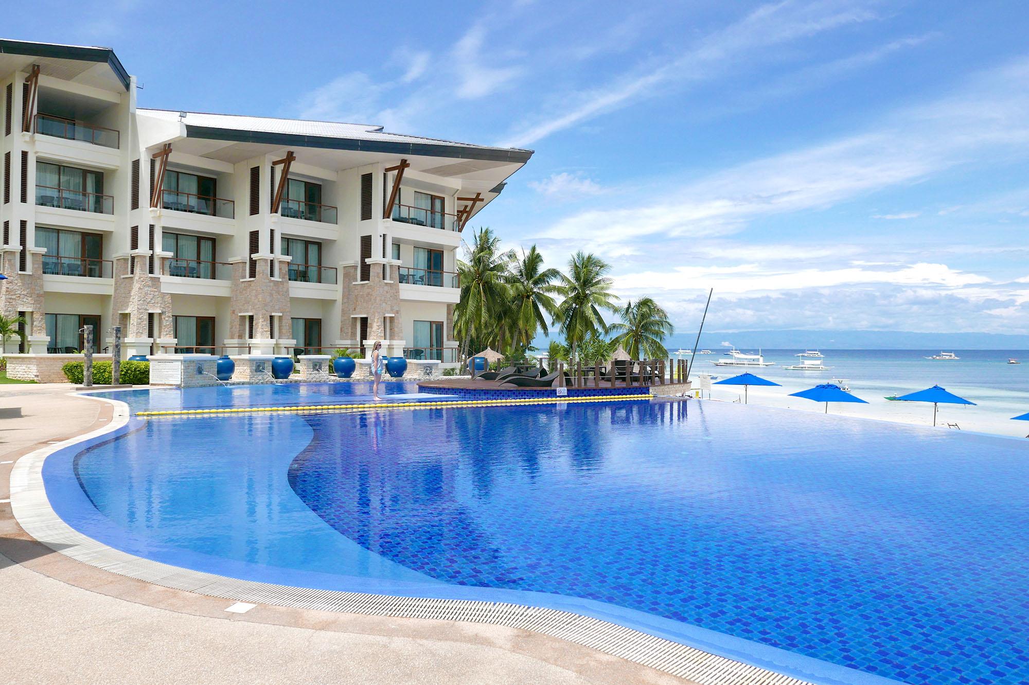 Infinity Pool at Bellevue Bohol