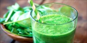 How To Make a Cannabis Infused Green Superfood Smoothie