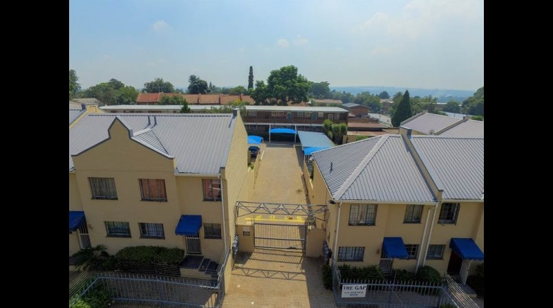 2 Bed Townhouse for sale in Gauteng | Johannesburg | Johannesburg Cbd And Bruma | Lyndh |