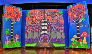 Wonderland Sets painted for Bach Nuts Theater Company, Fall 2016 (c) Marika Reinke