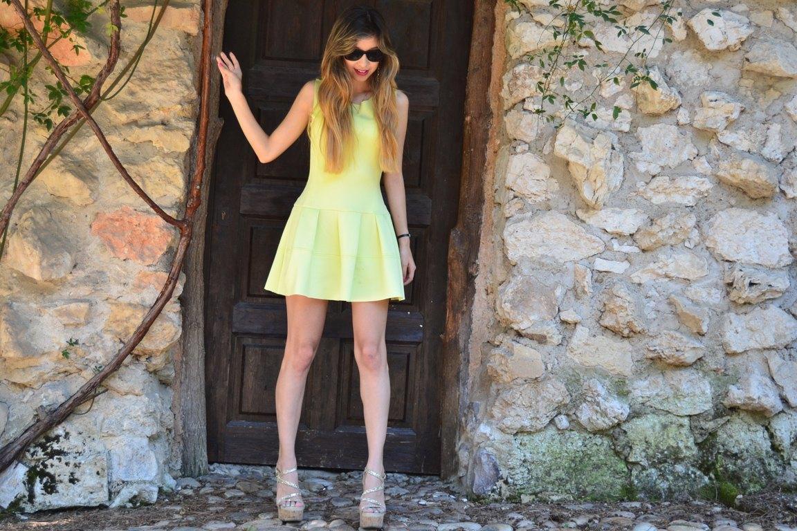 marikowskaya street style daniela vestido amarillo (6)
